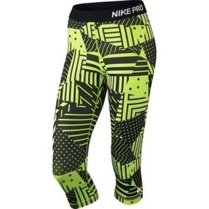 Nike Pro patterned workout tights NWOT